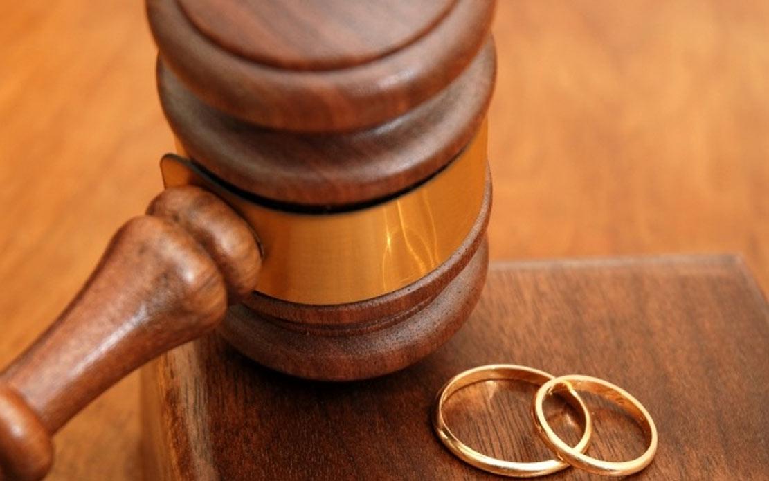 Адвокат за развод